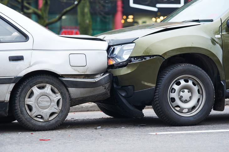 kolizje drogowe z udzialem kierowcow bez prawa jazdy